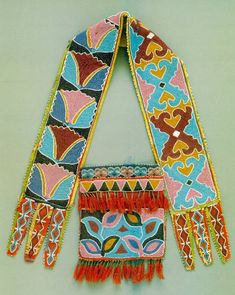 Delaware beadwork.  (KO) I would love to be able to create such intricate beauty and color combinations. Gorgeous!