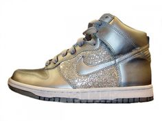 silver sparkle nike dunk