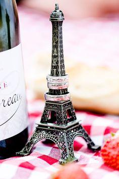 ©Photographer #MagdalenaMartin #MMPhotoart #Paris #romantic #wedding #eiffel #marriage #elopement #eiffeltower #parisphotography #Paris elopement, #Paris elopement, #paris #wedding #elopement, #marriage in paris, #photographer in Paris, #weddinginParis, #Frenchweddings #weddingring ©Photographer Magdalena Martin