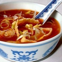 Tomatensoep van de Chinees Soup Recipes, Healthy Recipes, Healthy Food, Ratatouille, Chinese Food, Soups And Stews, Thai Red Curry, Food And Drink, Asian