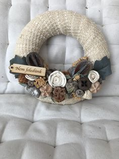 Diy Halloween, Burlap Wreath, Christmas Decorations, Wreaths, Handmade, Hand Made, Door Wreaths, Burlap Garland, Deco Mesh Wreaths