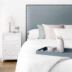 Nao cabecero tapizado Furniture Fix, Dreams Beds, Cozy Room, Bathroom Interior Design, New Room, Bed Design, House Rooms, Home Decor Inspiration, Girl Room