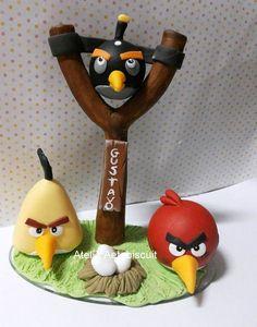Lindo topo de bolo =no tema angry birds, a garotada adora essa turminha.peça pronta entrega, mudo no na placa.