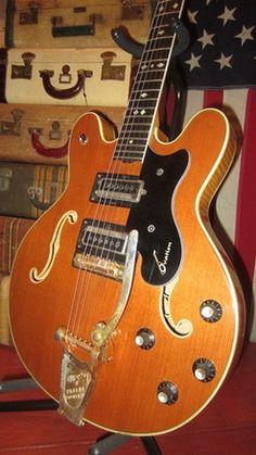 Circa 1969 Ovation Model 1233-4 Thunderhead Semi-Hollow Body Electric Guitar