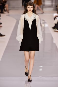 Look 27 from the Chloé Fall-Winter 2017 collection