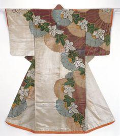 江戸前期に流行した寛文小袖は模様を左右非対称に配置し、左下半分に余白をとるのが特徴