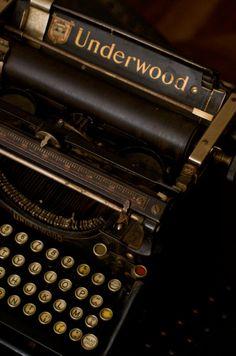 Machine à écrire Underwood 1918                                                                                                                                                                                 Plus