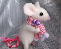 Needle felted mouse in scarf with lollipop, Felt mouse doll, miniature mouse, Cute mouse, Little mouse, felted animals, soft sculpture