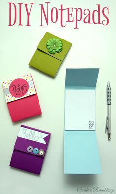 Easy DIY notepad using scrap paper and simple craft supplies. Make your own cute notepad. Watch this video and learn how to make a note pad. Crafts Easy DIY Notepad Using Scrap Paper - Creative Ramblings Easy Diy Crafts, Jar Crafts, Creative Crafts, Fun And Easy Diys, Wood Crafts, Instruções Origami, Papier Diy, Diy Tumblr, Diy Notebook