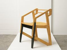 Fangs chair by Konstantin Achkov.