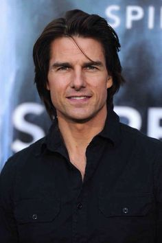 Tom Cruise long hair style