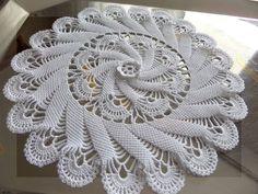 crochet5010.blogspot.com Na ovom blogu ćete naći prekrasne radove. Ako se bazirate na heklanju stolnjaka i salveta ovdje imate stvarno li...