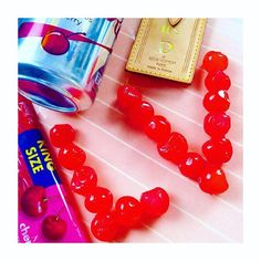 【superdacob】さんのInstagramをピンしています。 《Gee I'm in such a mood for cherries these days... Craving cherries like I was pregnant... All cherries... natural, artificial and artistic 🍒🍒🍒🍒🍒 poppin' cherries like there's no tomorrow 😂🙊🙉🙈😂 Cherry blossom season is my season! 🌸🍒🌸 There is a huge new family member in the fashion bunker! Reveal coming soon 😍🍒😍 Stay tuned 😘🍒😘 #louisviitton #lv #superd #dacob #superdacob #fashionbunker #youtube #youtuber #murakami #cola #coke #dietcoke…