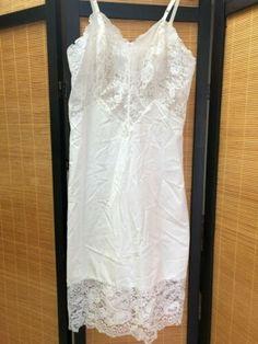 Clothing, Shoes & Accessories Romantic Vtg Sz 36 Vassarette Black Full Slip 100% Nylon Lace-trimmed Bust Knee-length