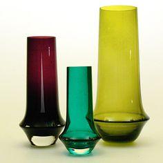 Vases No. 1378, Tamara Aladin (Riihimáki lasi, 1963) | Collectors Weekly Glas Art, Mid Century Modern Art, Glass Vessel, Retro Art, Carnival Glass, Vases Decor, Glass Design, Hurricane Glass, Colored Glass