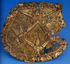 The tarsoly plate was found in 1896. 8-10 years before, during the course of earthmoving work, the grave of a warrior buried together with his horse was found there. László Vidovics and Endre Tompos uncovered further 17 graves in 1896. The skeletal material from the cemetery has still not been analyzed by an anthropologist.