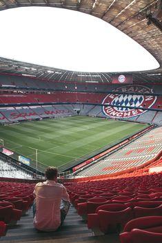 Bayern Munich Wallpapers, Chelsea Players, Germany Football, Soccer Photography, Fc Bayern Munich, E Sport, Football Boys, Football Wallpaper, Sports Wallpapers