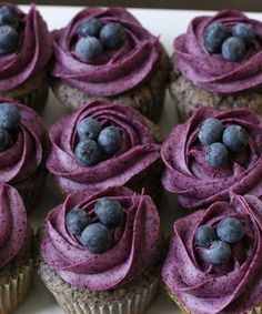 Blueberry cupcakes with the blueberry cr . - Blueberry cupcakes with blueberry cream cheese frosting You are in the right place about Easter Reci - Blueberry Cupcakes, Yummy Cupcakes, Blueberry Frosting, Purple Cupcakes, Lemon Cupcakes, Chocolate Cherry Cupcakes, Blueberry Vodka, Fruit Cupcakes, Coconut Cupcakes