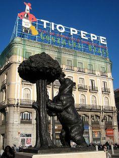 Place: Puerto del Sol, Madrid / Comunidad Madrid, Spain. Photo by: Unknown