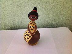 Cabaça - boneca africana - CAB 214 Loja Sonharteira - www.sonharteira.com.br Link: http://www.sonharteira.com.br/pd-123bb8-cabaca-boneca-africana.html?ct=880ef&p=1&s=1