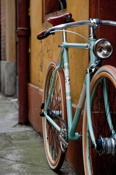 turquoise + brown bicycle