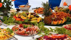 http://static.cruisemeet.co.uk/images/cruise-guides/cruise-ship-fruit-buffet.jpg