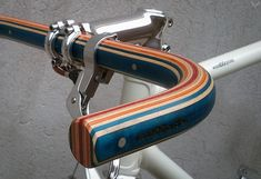 Good wood - more lovely bike handlebars, courtesy of Spanish outfit Woodoocycles Wooden Bicycle, Wood Bike, Retro Bicycle, Recycled Bike Parts, E Biker, Push Bikes, Bike Handlebars, Cargo Bike, Bicycle Components