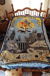 pazscott's Harry Potter/Hogwarts Afghan : Creating a HP afghan… I will be usi. pazscott's Harry Potter/Hogwarts Afghan : Creating a HP afghan… I will be using parts and piec Tricot Harry Potter, Harry Potter Bricolage, Harry Potter Crochet, Knitting Projects, Crochet Projects, Knitting Patterns, Crochet Patterns, Afghan Patterns, Knitting Ideas