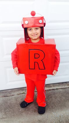 Letterland Red robot costume! Halloween Fun, Halloween Costumes, Holidays Halloween, Letterland Costumes, School Projects, Projects For Kids, School Age Activities, How To Make Red, Robot Costumes