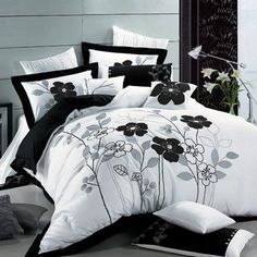 Seasons Collection 7-Piece Poppy Duvet Cover Set In White & Black - Beyond the Rack