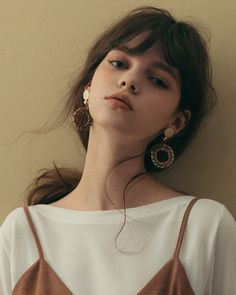 Trendy Fashion Model Portrait Posts - Fushion News Grunge Hair, Aesthetic Girl, Aesthetic Outfit, Aesthetic Clothes, Aesthetic Makeup, Portrait Inspiration, Character Inspiration, Creative Inspiration, Makeup Inspiration