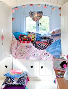 Girls bedroom What I wouldn't have done for this Perfect hideaway bed! Dream Rooms, Dream Bedroom, Girls Bedroom, Gypsy Bedroom, My New Room, My Room, Girl Room, Awesome Bedrooms, Cool Rooms