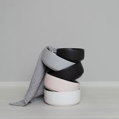 NEW Ole hyvä ceramic dog bowl's design is clean and Nordic. The harmonious color palette is inspired by nature – Midnight -matt black Feather – white Mist – greyblue Blossom – soft pink Size Large 21 cm diameter & cm high × volume l Handmade in Finland Best Treats For Dogs, Ceramic Dog Bowl, Dog Water Bowls, Food Bowl, Black White Pink, Large White, Dog Eating, Pet Bowls, Pet Life
