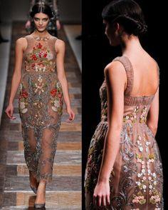 Valentino flower print fashion...