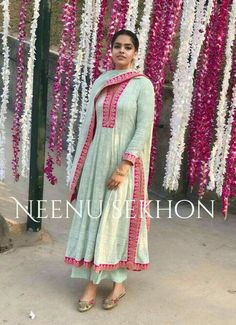 Design and contrast Pakistani Dresses, Indian Dresses, Indian Outfits, Embroidery Suits Punjabi, Embroidery Suits Design, Designer Punjabi Suits, Indian Designer Wear, Designer Kurtis, Designer Dresses