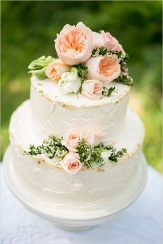 peach rose cake topper @weddingchicks
