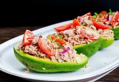 Avocado boats make great dishes for tuna fish salad. Tuna Fish Salad, Healthy Tuna Salad, Healthy Eating, Food Salad, Shrimp Salad, Tuna Fish Recipes, Avocado Boats, Creative Snacks, Keto