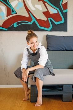 Anička Neuschl Strike: Deti ma naučili nesúdiť druhých Všestranná mladá umelkyňa je manželkou Laciho Strika, matkou dvoch malých detí a najnovšie aj laktačnou poradkyňou.
