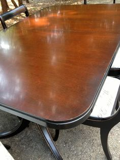 Beautiful Duncan Phyfe dinning table and 6 by RetroCharmDesigns