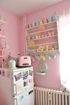 Inspiring image cute, kitchen, pastel by kitchencutie - Resolution - Find the image to your taste Deco Pastel, Pastel Room, Pastel House, Pastel Pink, Pretty Pastel, Cute Kitchen, Vintage Kitchen, Kitchen Decor, Happy Kitchen