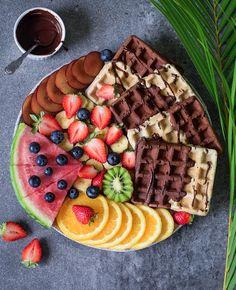 Vegane Waffeln zum Frühstück oder als Dessert? Probier mein Rezept aus, denn es gelingt immer. Diese Waffeln sind glutenfrei, pflanzlich, fettarm und lecker