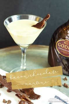 Love Bacon?? Love Chocolate?? Then you are in luck! This super yummy cocktail combines both! Check out this Chocolate Martini infused with Bacon!