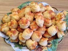 Sajtos túrós pogácsa | mókuslekvár.hu Sprouts, Shrimp, Lime, Food And Drink, Cookies, Meat, Vegetables, Recipes, Crack Crackers