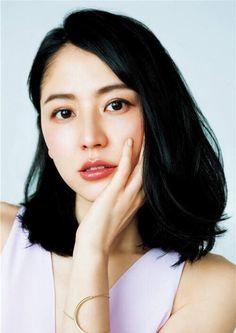黒髪ノンレイヤーのミディアムの長澤まさみさん♡
