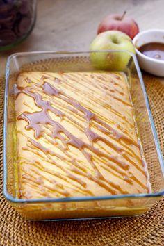 Compote de pommes coiffée de son gâteau