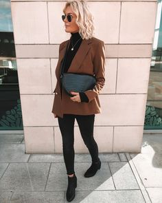 Obsessed with this outfit so much so here is another picture of it. ( street style // blazer // blazer street style // brown blazer // spring style // blogger // winter style // simple style // fashion inspo minimalist fashion // minimalist outfits // casual // suited up )