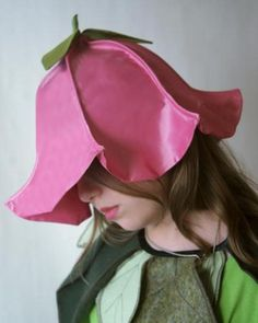 My Flower Fairy Hat Pattern is an elegant flower costume hat, if made from cotton it works as a magical summer sun hat! by Laura Lee Burch on Etsy Flower Head Wreaths, Flower Hats, Diy Costumes, Halloween Costumes, Fairy Costume Kids, Costume Hats, Costume Fleur, Flower Costume, Pink Costume