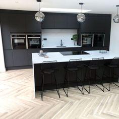 Charcoal Kitchen, Modern Grey Kitchen, Grey Kitchen Designs, Luxury Kitchen Design, Kitchen Room Design, Design Room, Home Decor Kitchen, Interior Design Kitchen, Black And Grey Kitchen