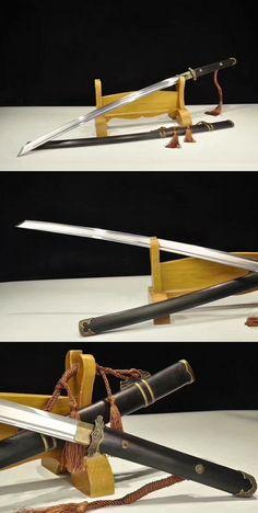 Katana Swords, Samurai Swords, Cool Knives, Knives And Swords, Arsenal, Dao Sword, Armas Ninja, Types Of Swords, Japanese Sword