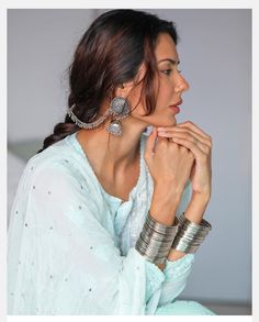 Girly Pictures, Girly Pics, Senior Pictures, Punjabi Models, Cute Photography, Indian Designer Outfits, Pinterest Fashion, Pakistani Actress, Girls Dpz